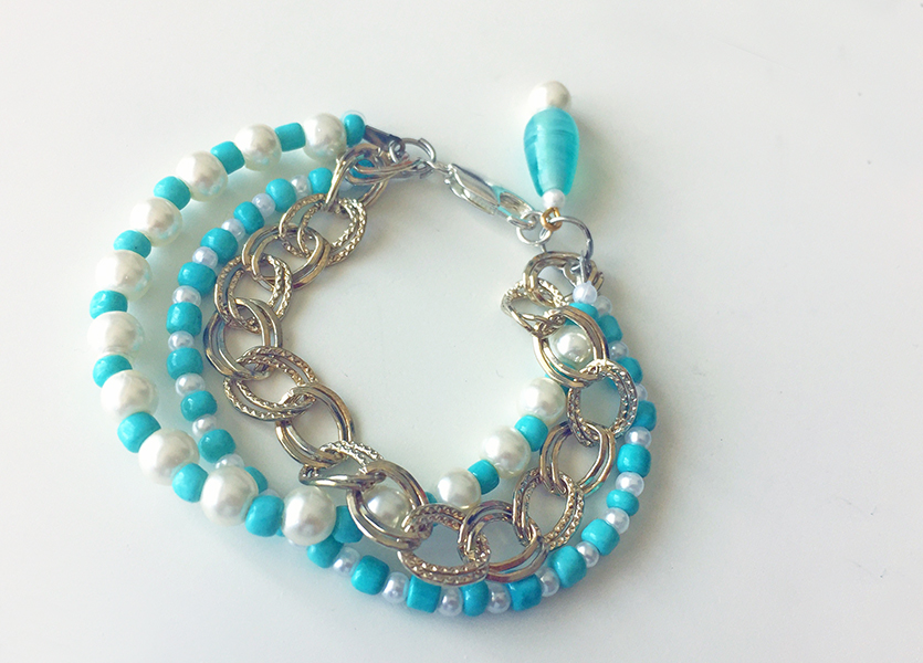Completed DIY bracelet using turquoise beads and pearls