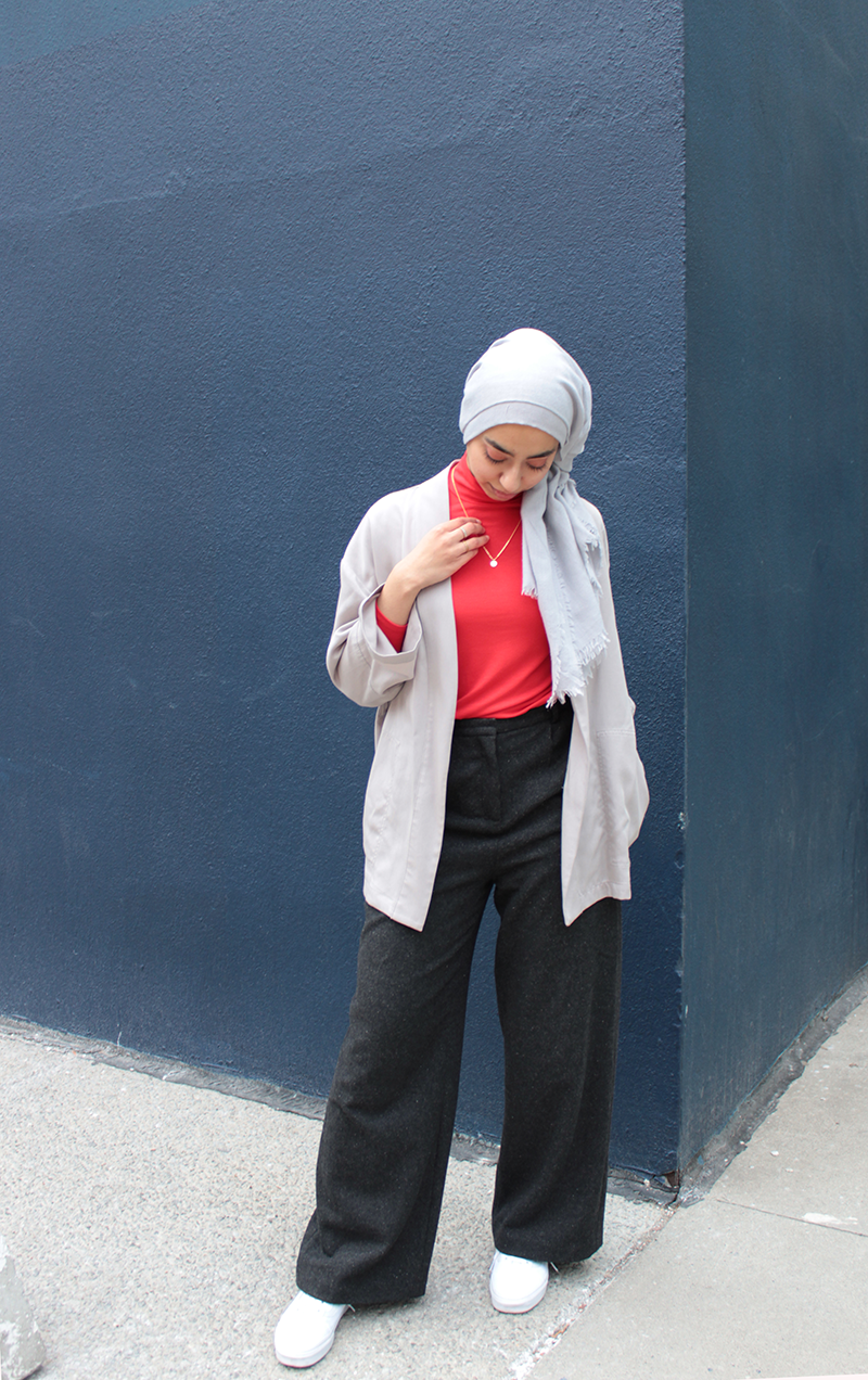 Living Coral - Pantone Colour Of The Year Coral And Grey Outfit By Hijabi Blogger Against Blue Wall