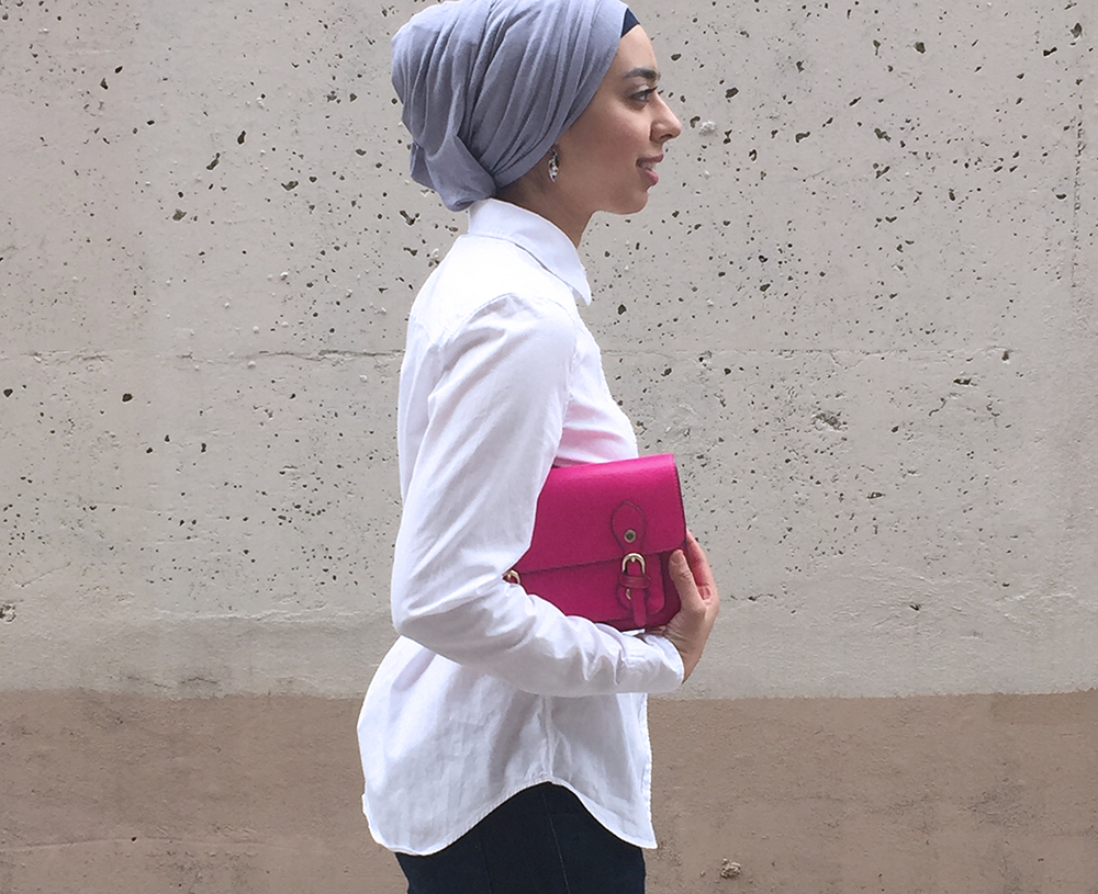Chic outfit with hot pink purse