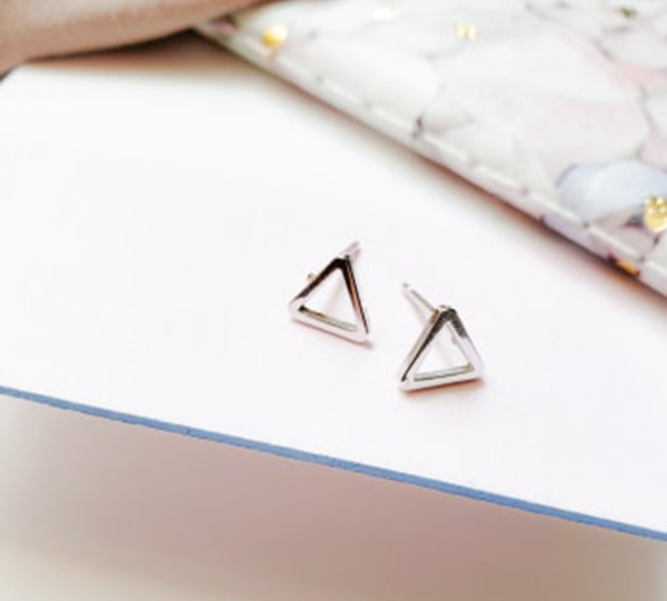Geometric Earrings Are Summer Style Essentials